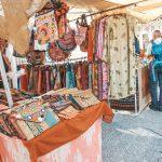 Wer auf Ibiza ist kommt nicht um einen der Wunderschönen Hippiemärkte wie den in Las Dalias drumrum