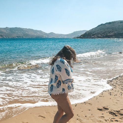 Mykonos-Beach-Kikis_taverene