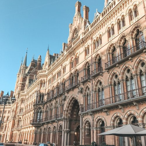 London-Station-Bluesky-England